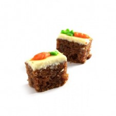 carrot cake with cream cheese by Bizu