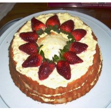 Strawberry Cake by Wilma's Yummy Cake