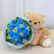 Blue Roses in a Bouquet with Small Size Bear