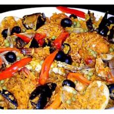 Delicious paella Valenciana by Alba