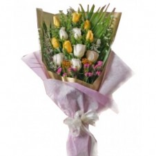 6 Yellow & 6 White Roses in a Bouquet