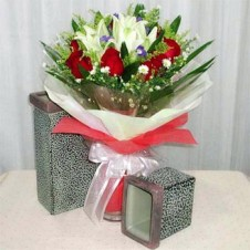 Fresh Cut Dozen Red Roses and Calla lily with Greenery in a Bouquet