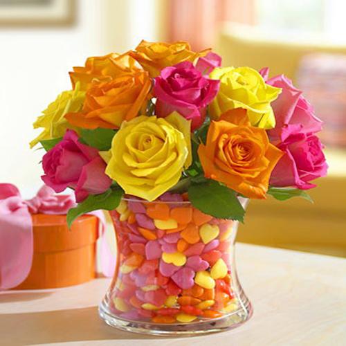 1 dozen Mixed Roses in a Vase 1