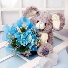 Holland Blue Roses in a Bouquet  w/ Stuff Toy