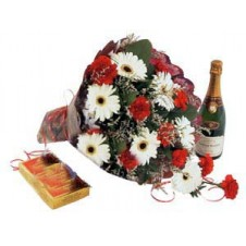 Pretty Wrapped Bouquet with Chocolate and Sparkling Grape Juice