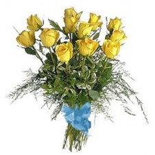 1 dozen Yellow Roses in a Bouquet