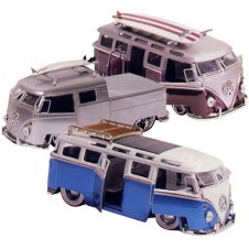 Dub City Coldskool 1982 Volkswagen Bus