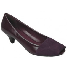 Ladies Close Shoe by Manels