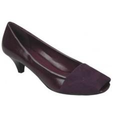 Ladies Close Shoe by Manels