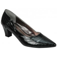 Ladies Closed Shoe by Manels