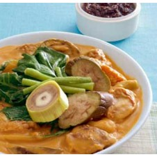 Party Funfeast Kare-Kare by Goldilocks