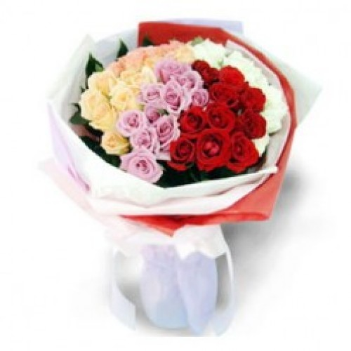 4 dozen pink red yellow amp white mixed roses in a bouquet