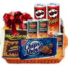 Assorted Snack Gift Basket That Anyone Can Enjoy
