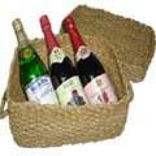 Sparkling Juice in a Basket